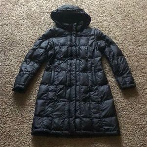 The Northface Long Hooded puffer coat